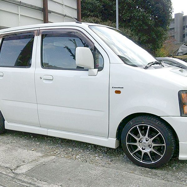SUZUKI WAGON R + Platinum RIVAZZA RESPECT